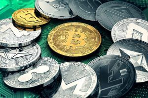 Huge stack of cryptocurrencies in a circle with a golden bitcoin in the middle.